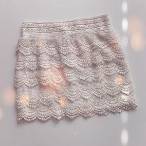 WHITE CROCHET SKIRT SIZE SMALL